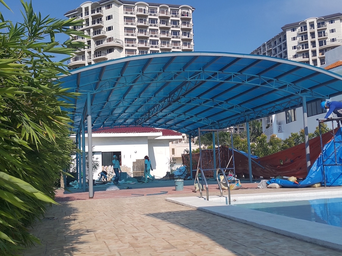 Side Pool Canopy